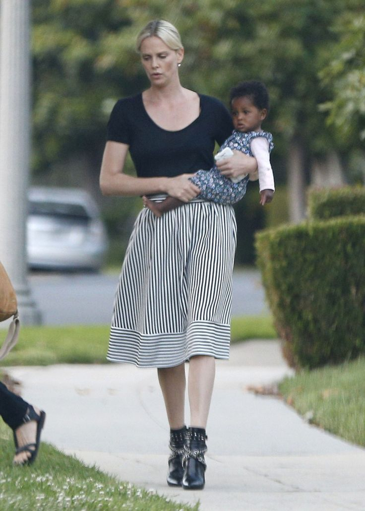 Exclusive... 52076044 Actress Charlize Theron takes her kids Jackson and August to a birthday party in Los Angeles, California on May 29, 2016. It's been confirmed that Charlize will be cast in the upcoming 'Fast & Furious 8' movie. FameFlynet, Inc - Beverly Hills, CA, USA - +1 (310) 505-9876