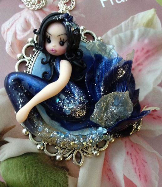 Ciondolo di argilla del polimero, bambole, regali per lei, bambole, miniature, sculture in argilla polimerica, sirene