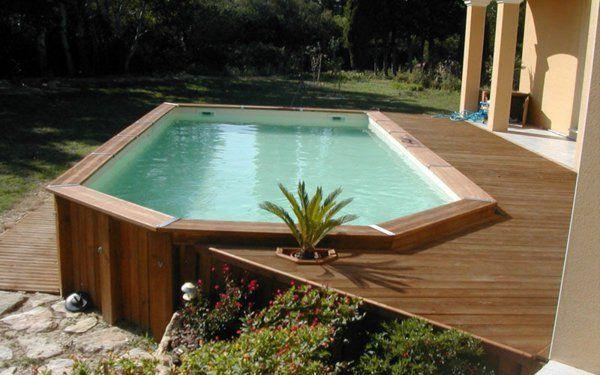 bois foncé pour le design du piscine