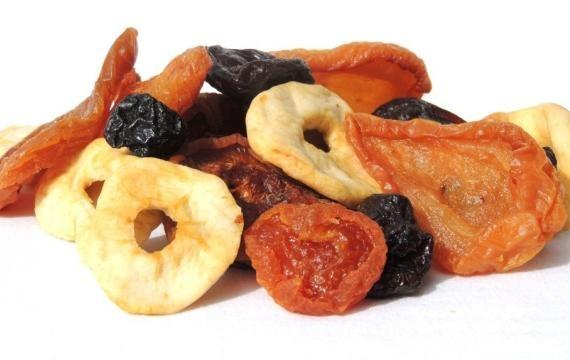 Frutta secca: come prepararla in casa propria