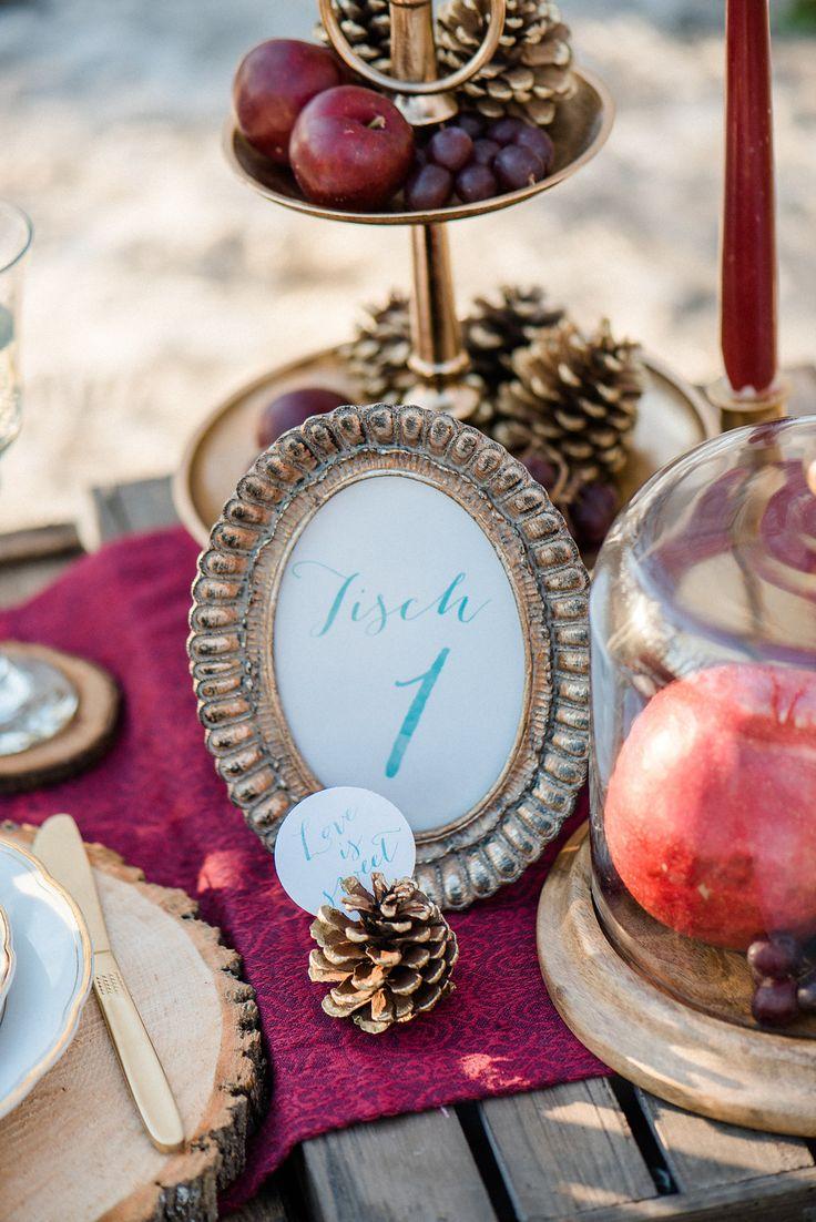 Elegante Winterhochzeit in Rot und frischem Türkis   Hochzeitsblog - The Little Wedding Corner