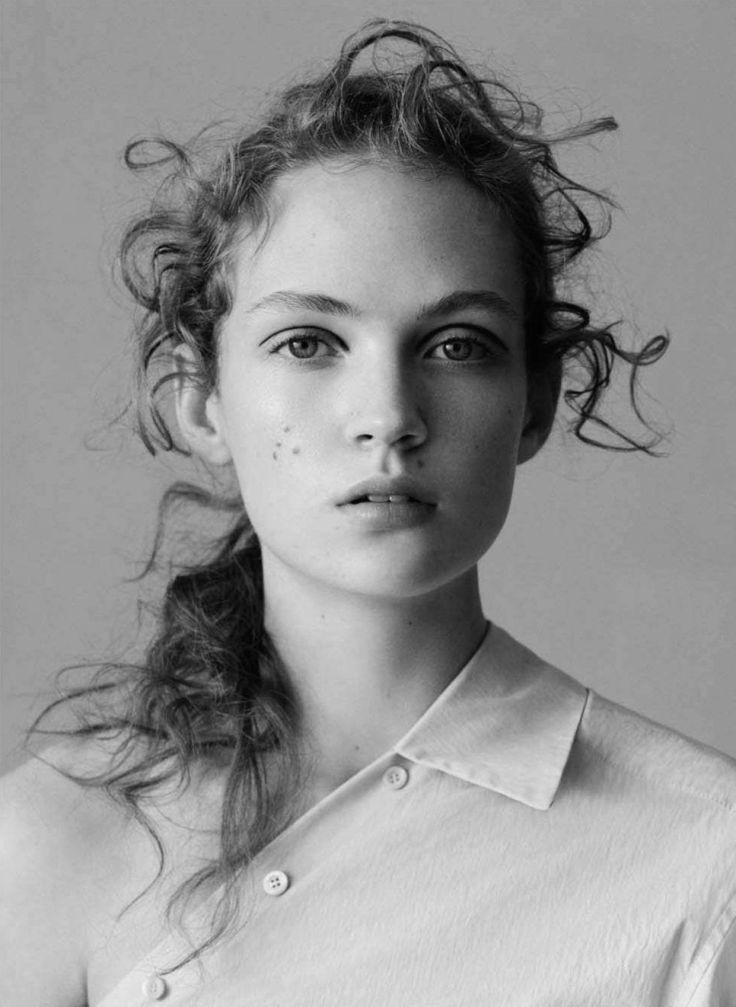 Frederikke Sofie, Adrienne Jüliger by Ben Toms for Vogue China January 2016 9