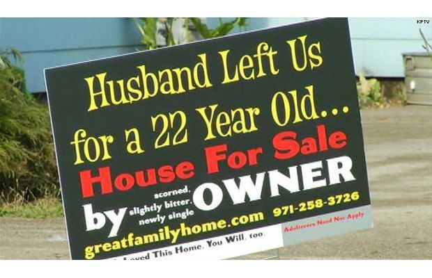 "25 Hilariously Inappropriate ""For Sale"" Signs: pinterest.com/pin/222646775300023736"