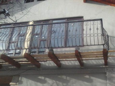 LAZAR FLORIN CONFECTII METALICE I.F. - Modele balustrade, scari si balcoane din fier forjat - Model: 80BSB66 - 10 ani de experienţă în domeniu. Seriozitate, corectitudine şi ...