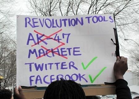 Rivolte twitter centriche, distorsione dello strumento visto come partenza delle rivoluzioni