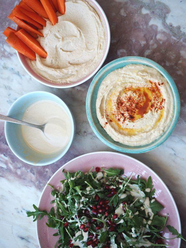 Video: Emmas køkkenfavoritter #1 // Opskrift på hummus & tahindressing