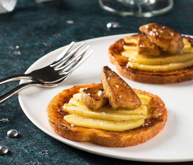 Découvrez la délicieuse recette des minis pains perdus au foie gras poêlé. Une recette d'entrée parfaite pour les fêtes !