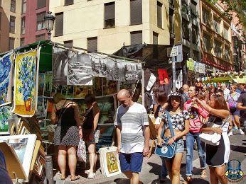 El Rastro. El Rastro madrileño está documentado desde 1740 como un lugar de encuentro para la venta, cambio y trapicheo de ropas de segunda mano, alternativo al negocio de la venta ambulante. Se formaba alrededor del antiguo matadero, origen de su insospechado nombre. «Rastro» era en el siglo XVI sinónimo de carnicería o desolladero. (Wikipedia). Madrid, España.  #elrastro #rastro  #riberadecurtidores #madrid #españa #spain