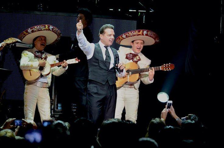 Luis Miguel The Hits Tour Dic 2013 y con Mariachi