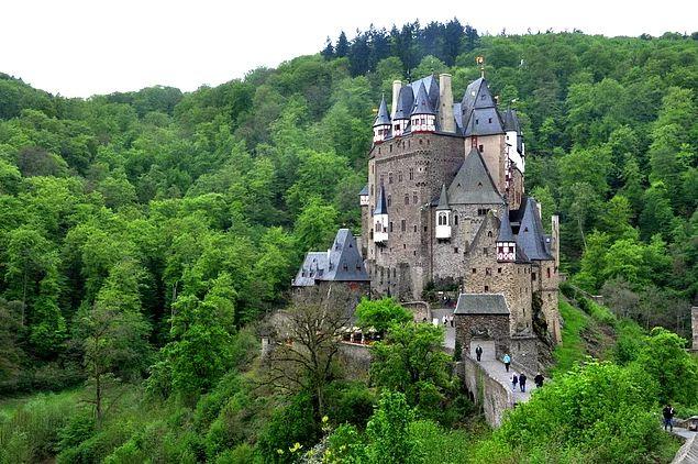 Burg Eltz Kalesi - Almanya