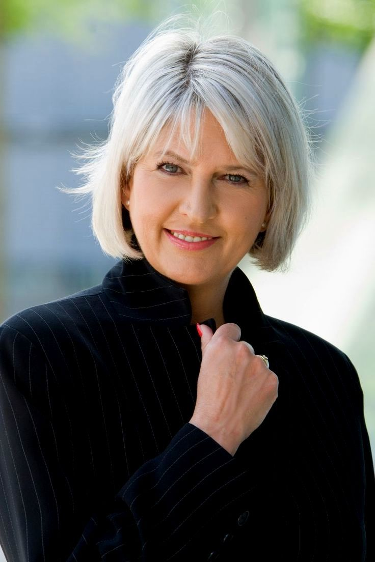 Short To Medium Hairstyles For Women Over 50: 25+ Best Ideas About Short Grey Haircuts On Pinterest