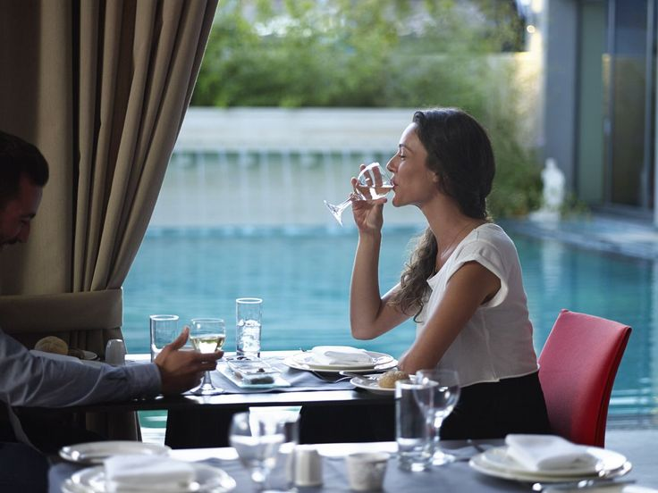 After a long day of #business, enjoy your lunch at our restaurant by the #pool! #SamariaHotel