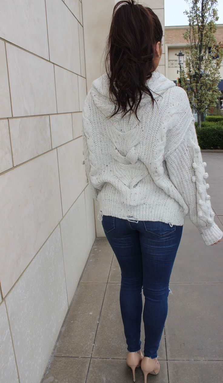 Winter style: cable knit sweater / hoody