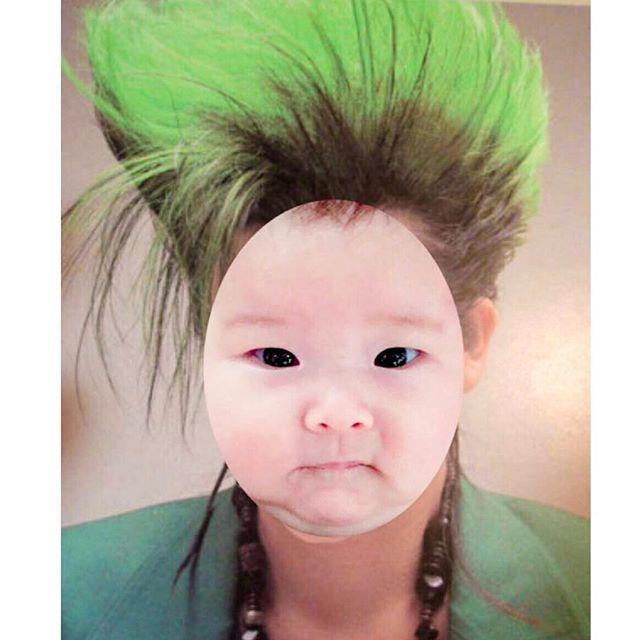 WEBSTA @ marusbox - おはまる〜おい!そこのお前さん何メンチ切っとんねん(何睨んどるんや~ってことね)14歳くらいになったら父ちゃんにこの髪型やってもらお写真  まあこ作#生後5ヶ月#6d #シグマ #コズレ#ベビフル#コドモノ#ママリ#mamanoko#ベビリトル#赤ちゃん #女の子#女の子ベビー#ベビー#ホッペッタ#baby#babygirl  ん#instagramkids #childofig #childhoodunplugged #kids_japan #ig_kidsphoto #thechildrenoftheworld #ourchildrenphoto  #followme #huntgramchildren #mamar_baby #不良 #マニパニ #モヒカン