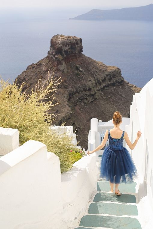 #Santorini #honeymoon #tulleskirt #Skaros #Imerovigli