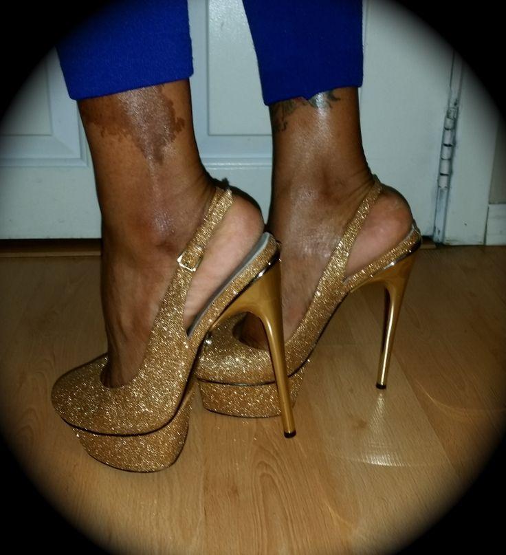 Adrienne Maloof - Shaun Pump #pumps #heels #gold #celebrity #adriennemaloof