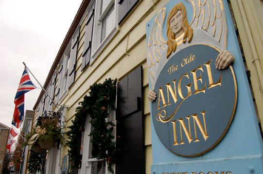 Niagara-on-the-Lake Pub | The Olde Angel Inn, Restaurant and Live Entertainment