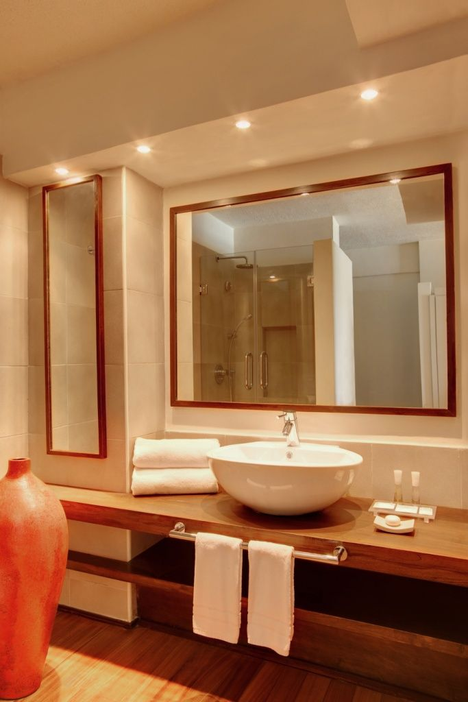 Superior Room bathroom - Solana Beach