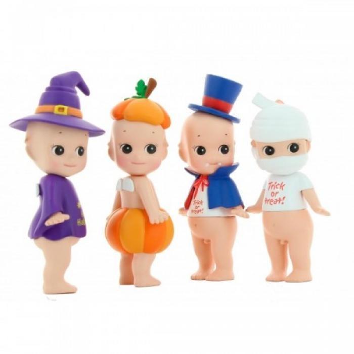 Sonny angel popjes 7,50 euro http://www.zappybaby.be/nl/dossier/halloween/artikel/178746/deze-week-in-de-webshops-halloween-hebbedingen/fotospecial/6/sonny-angel-popjes-7-50-euro#foto