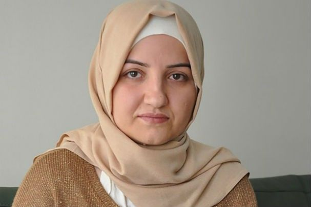 A turca que foi de um casamento forçado ao título de prefeita