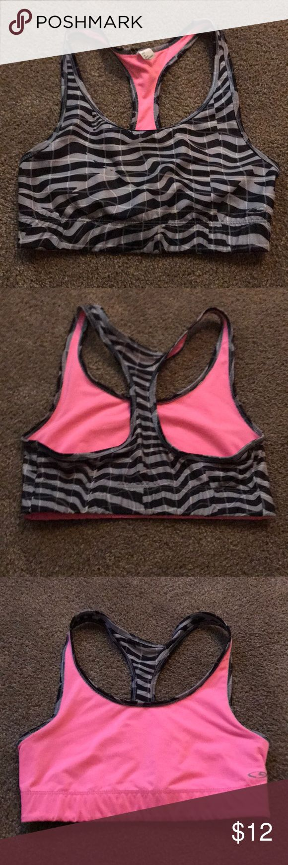 Reversible sports bra Great condition, size M. Champion brand. Reversible! Perfect for workouts. Champion Intimates & Sleepwear Bras