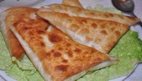 Нет ничего проще чем приготовить эти замечательные и сытные пирожки. Все что вам понадобится это армянский лаваш, сыр и ветчина.   Школа шеф-повара