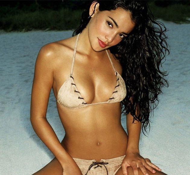 Bikini hot in latinas string