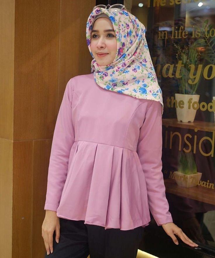 ㅤㅤ  Supplier Hijab Murah  ㅤ  Ready A127@53rb (KHUSUS GROSIR)  Bahan baloteli  Seri 4 warna  LD 96 cm  P 64 cm  Contact Us for more detail  Line: @ konveksi.hijab (pakai tanda @ yah)  WA: 0858 8533 3907  Store Location : PGMTA Lt LG Blok B No. 176  Group Store Instagram :  Hijaber : @ louve.pgmta  Gamis : @ alyla.alyla
