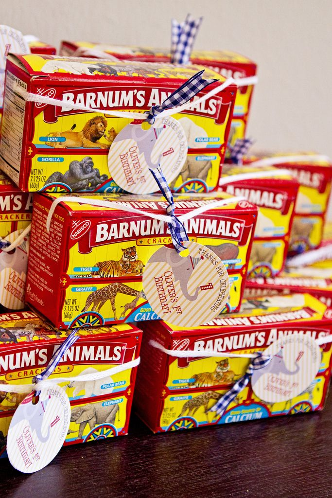 Animal crackers as a #partyfavor for a circus-themed party!
