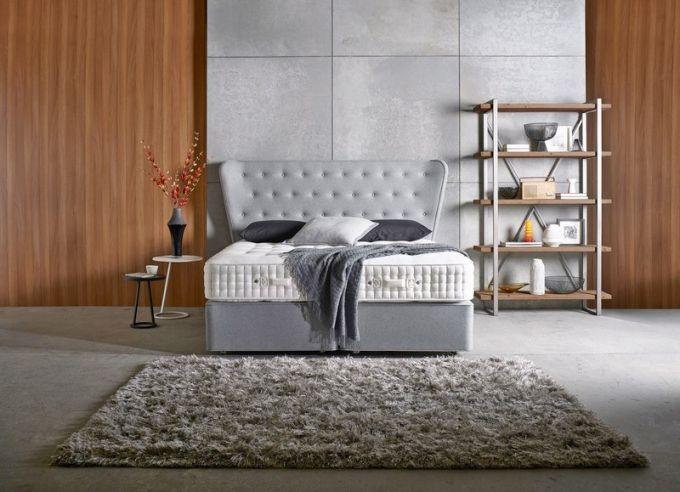 Luxusní postel Opes, základna z 2 400 pružin, matrace ze 14 400 pružin, výplň egyptská bavlna, Yorkshire eco-vlna, Herdwick eco-vlna, ručně česané koňské žíně, mohér a hedvábí, Somnus, cena od 213 600 Kč, www.dreambeds.cz
