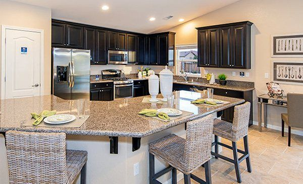 Dream kitchen in the ponderosa model home in lennar at horizon place in reno nv dream homes for Interior design model homes pictures