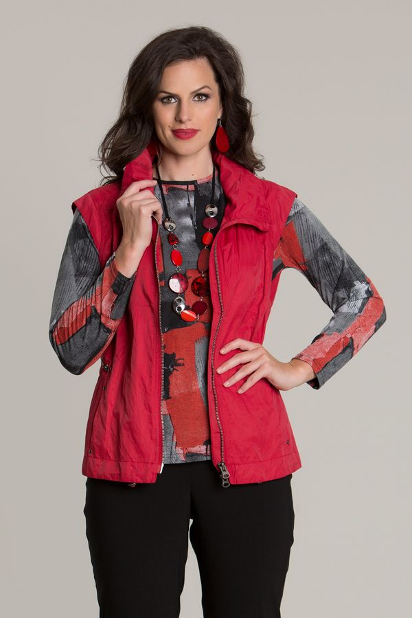 6601 Woven Vest W Zip Front - This vest displays a beautiful red cotton/metal zip with two slanted zip pockets at the front. Wear both open or closed, depending on the look you wish to achieve. Features a poet collar, sleeveless design and the length sitting on the hip-line.