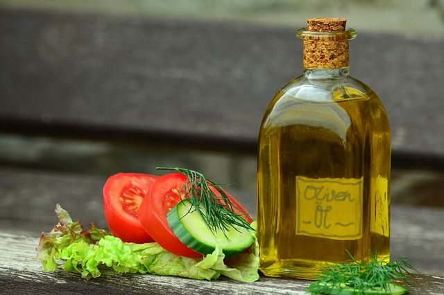 Why Olive Oil is Good for You | Foodiamo