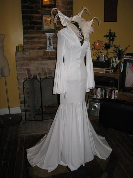 59 best images about Snow queen costume ideas on Pinterest | Ice queen Disney frozen and Snow ...