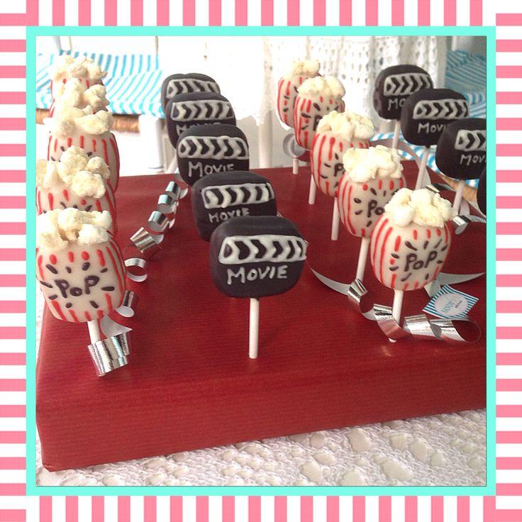 Cakepops passend zum Kino-Gutschein #cakepops by #sandybel #nürnberg #fürth #sweets #movie #popcorn #kino #cine #kinogutschein