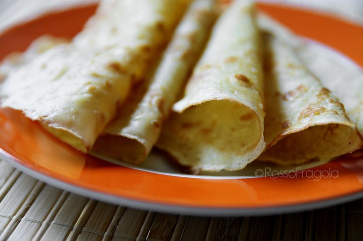 Crepes – ricetta base  - Rosso Fragola http://blog.giallozafferano.it/myrossofragola/crepes-ricetta-base/ #crepes