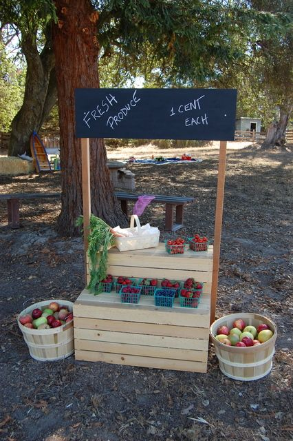 Fruit stand at a Farm Party #farm #party