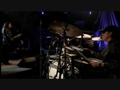 Travis Tritt - Tell Me I Was Dreaming (live)