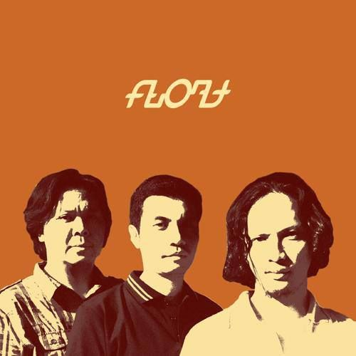 "Float adalah sebuah band yang didirikan pada tanggal 30 Agustus 2004 oleh Hotma ""Meng"" Roni Simamora, Windra ""Bontel"" Benyamin, dan Raymond Agus Saputra. Pada awal tahun 2005 Float merilis mini albumnya yang berjudul ""No-Dream Land"" secara independen. Mini album ini menarik perhatian produser film Mira Lesmana yang kemudian meminta Float mengisi album soundtrack untuk film ""3 Hari Untuk Selamanya"" (2007) yang disutradarai Riri Riza."