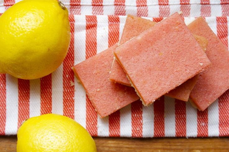 CosmoCookie: Strawberry Lemonade Bars: Cosmocookie, Brownies Bars, Sweet Treats, Strawberries, Sweet Tooth, Strawberry Lemonade, Favorite Recipes, Food Recipes Desserts