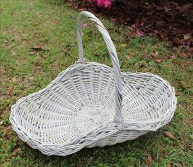 Oval Wicker Basket With Handle.