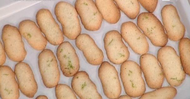 La ricetta dei biscotti al cocco di Natalia Cattellani da La prova del cuoco, il dolce di oggi 16 maggio 2016 abbinato al semifreddo alla ricotta