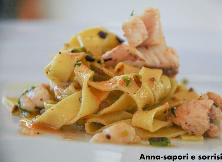 ANNA-SAPORI E SORRISI: Tagliatelle al sugo di gallinella e pesto di pistacchio
