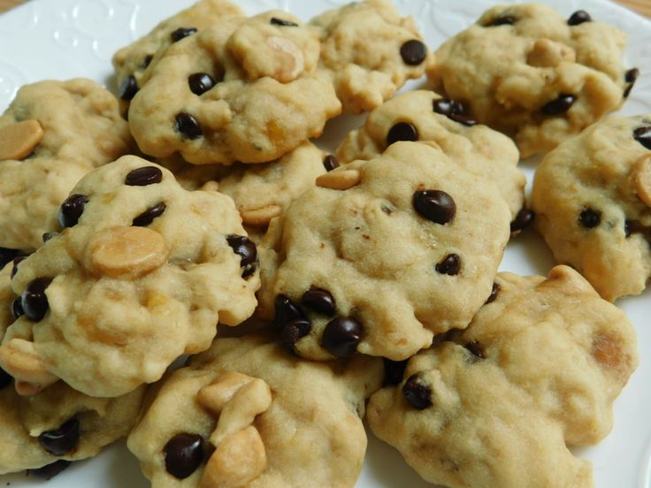 Weight watcher recipes, Chocolate peanut butter chip banana cookies by drizzle me skinny