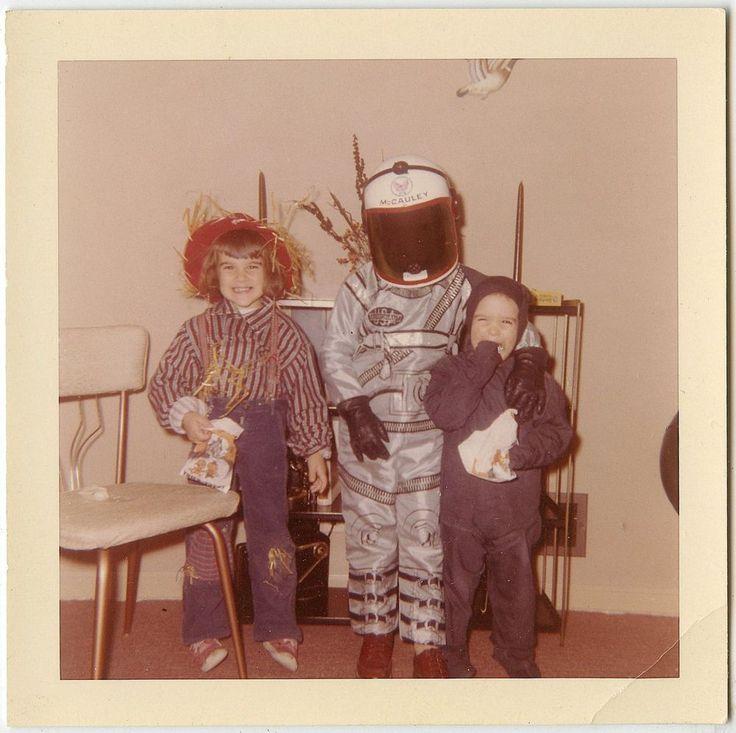 Children Scarecrow Astronaut Black Cat Halloween Costumes Vtg 60s Snapshot UC