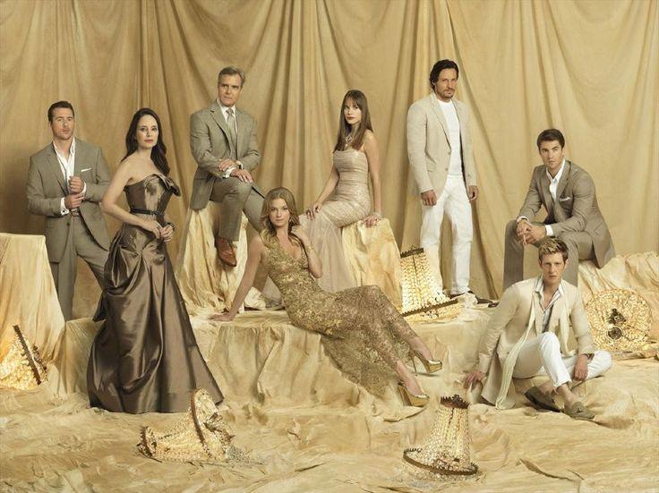 Elenco de Revenge posa para novas fotos promocionais da 3ª temporada
