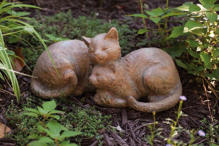AmazonSmile : Nature's Slumber Sleeping Cats Statue : Outdoor Statues : Patio, Lawn & Garden