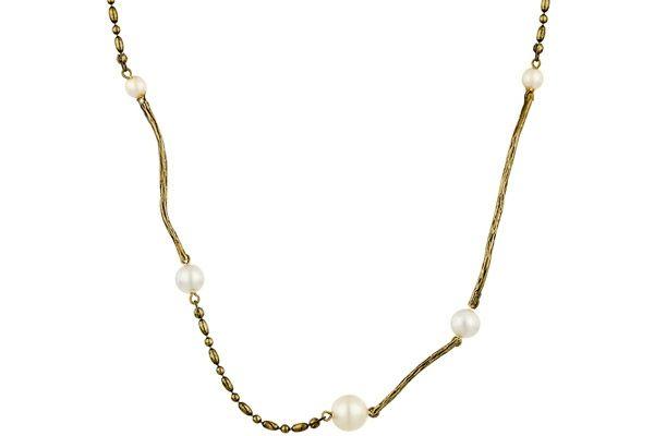 Une fois ce collier à votre cou, c'est tout l'univers du créateur Stefano Poletti qui vous envahira pour votre plus grand plaisir… Les perles de verre nacrées vous feront chavirer…