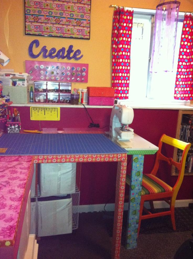 17 best images about quilt room sewing desk on pinterest for Quilt room design ideas
