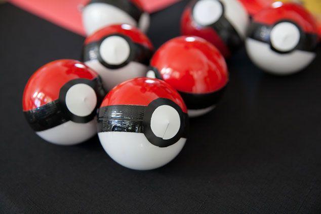 Pokeball DIY Pokemon Party Favor in Under 10 Minutes!